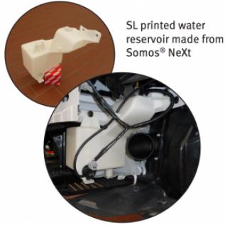 Součástka pro závodní auto z 3D tiskárny UnionTech - zásobník na vodu.