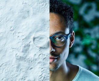 Výroba brýlí 3D tiskem umožní volit nejenom barevné provedení, ale vytvarovat brýle přesně podle potřeb zákazníka.