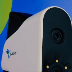 Mobilní, ruční optický skener s ideálním využitím ve školách, zdravotnictví a muzejnictví